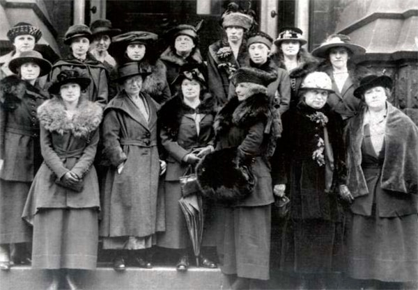 Delegates from the first clubs met on November 08, 1919 to found the Confederation of Zonta Clubs.